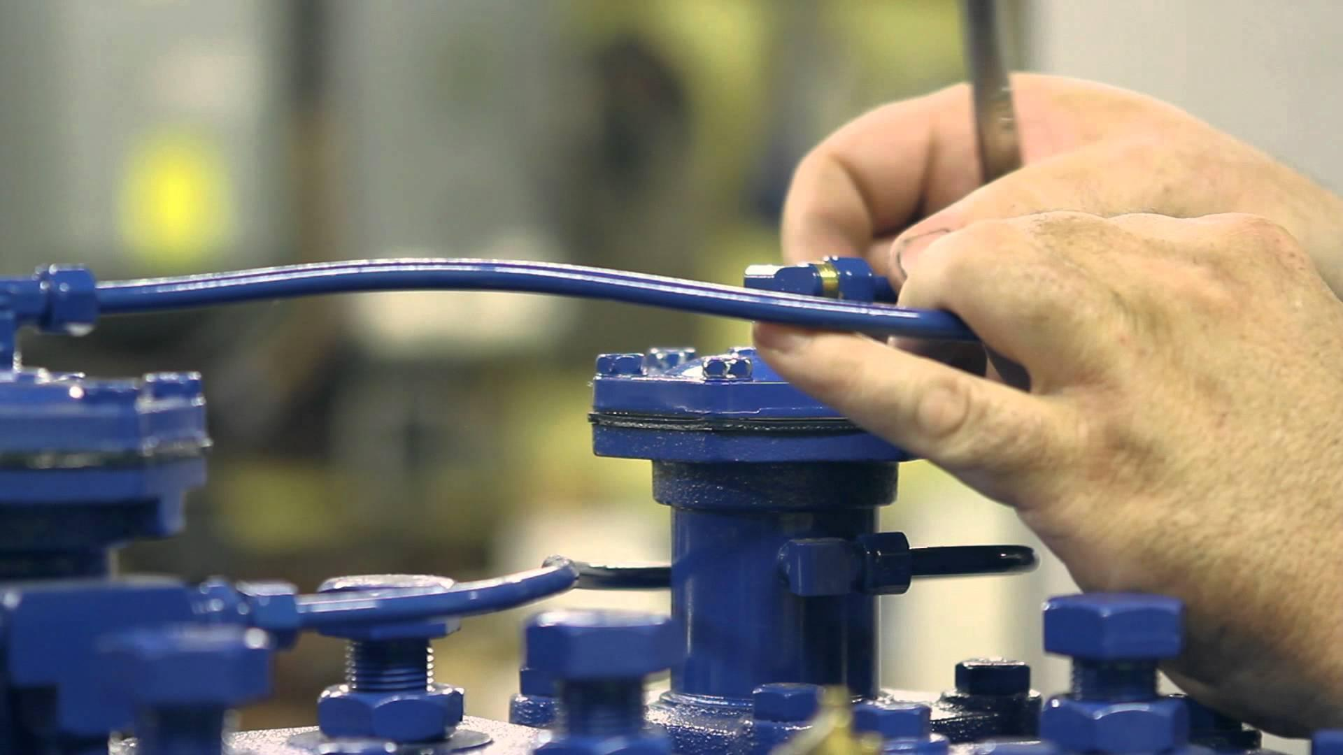 a25.How-to-Replace-the-Safety-Valve-on-a